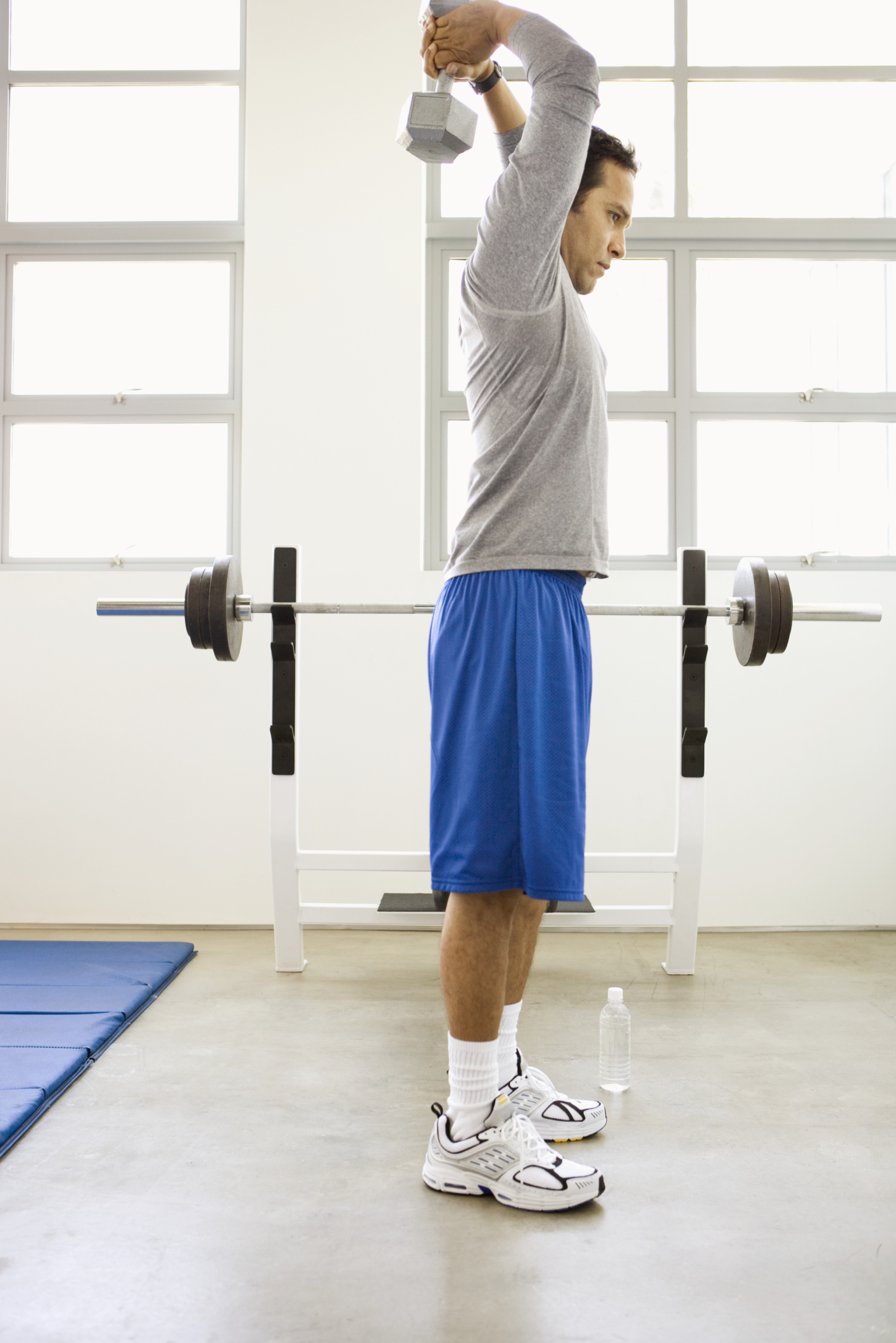 Exercises to Gain Mass With a 25-Pound Dumbbell | Chron com