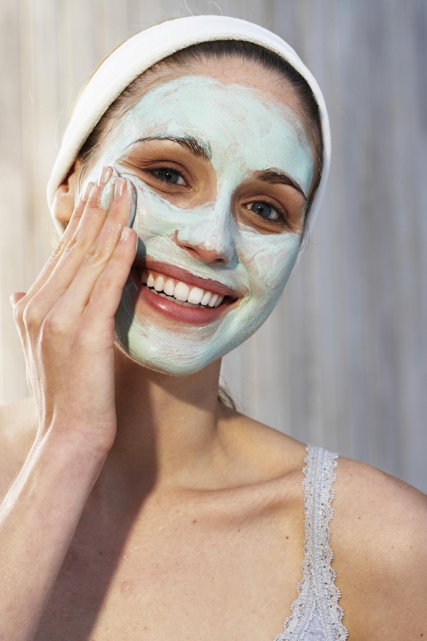 Aplicar acne na como hamamélis