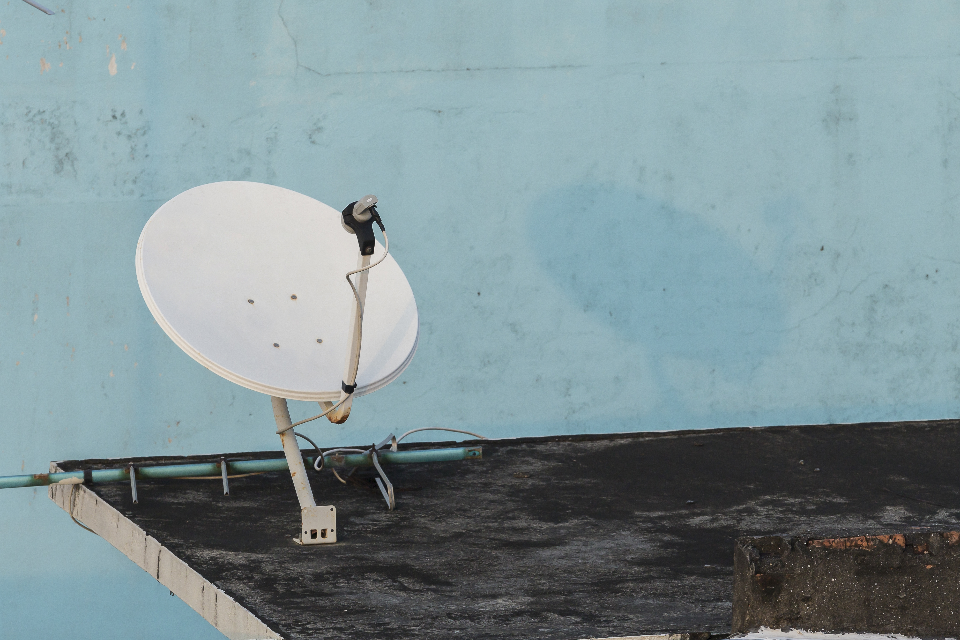 How to Align a Dish Network Satellite Dish to 110 and 119