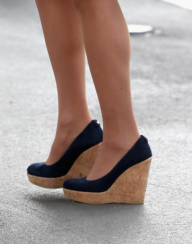 df43e5996c36 The Advantages of Cork Sole Shoes