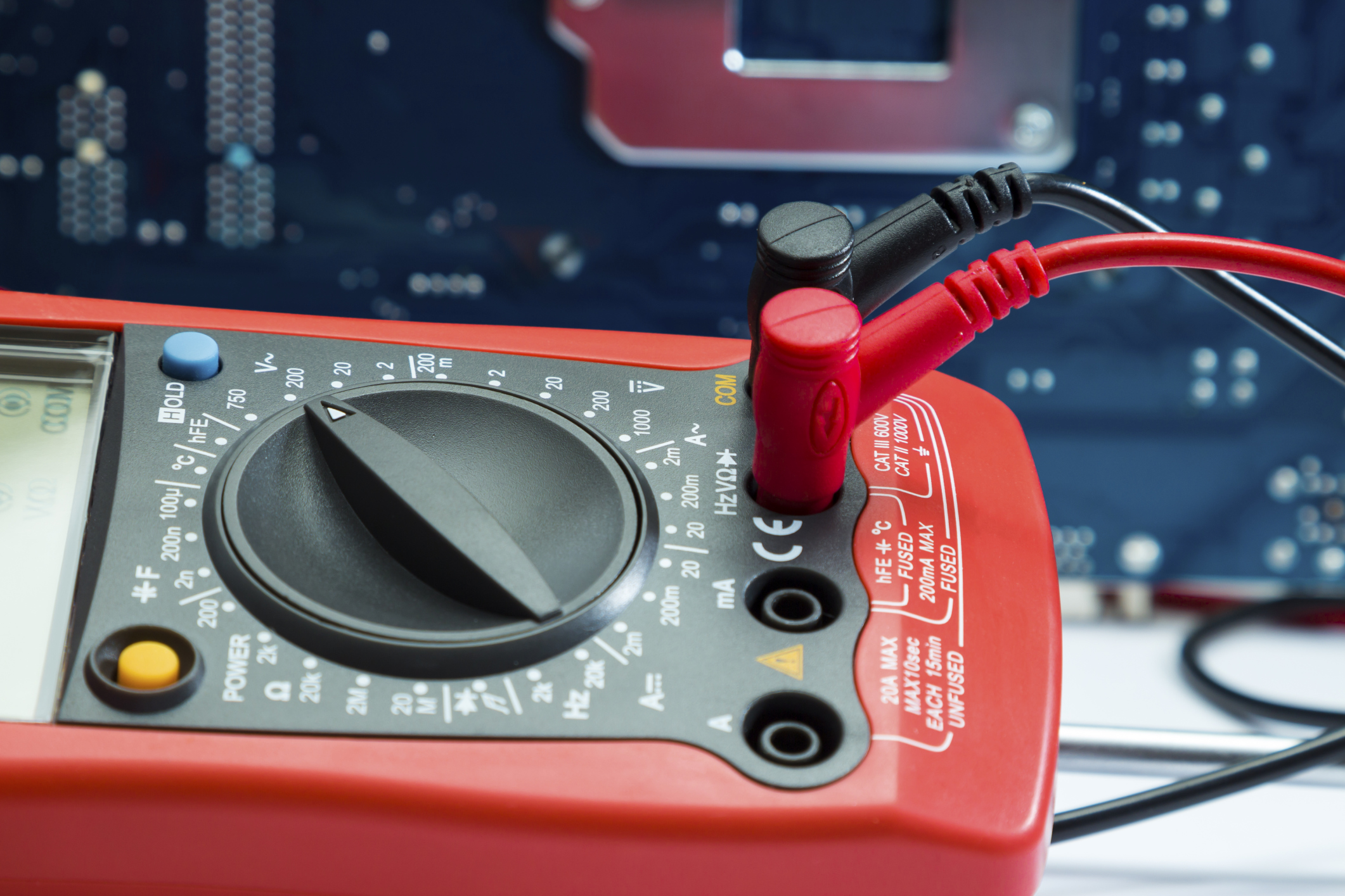 How to Check a Transistor With a Digital MultiMeter