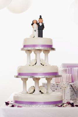 meaning of wedding cake tiers wedding cake anniversary tradition synonym 17247