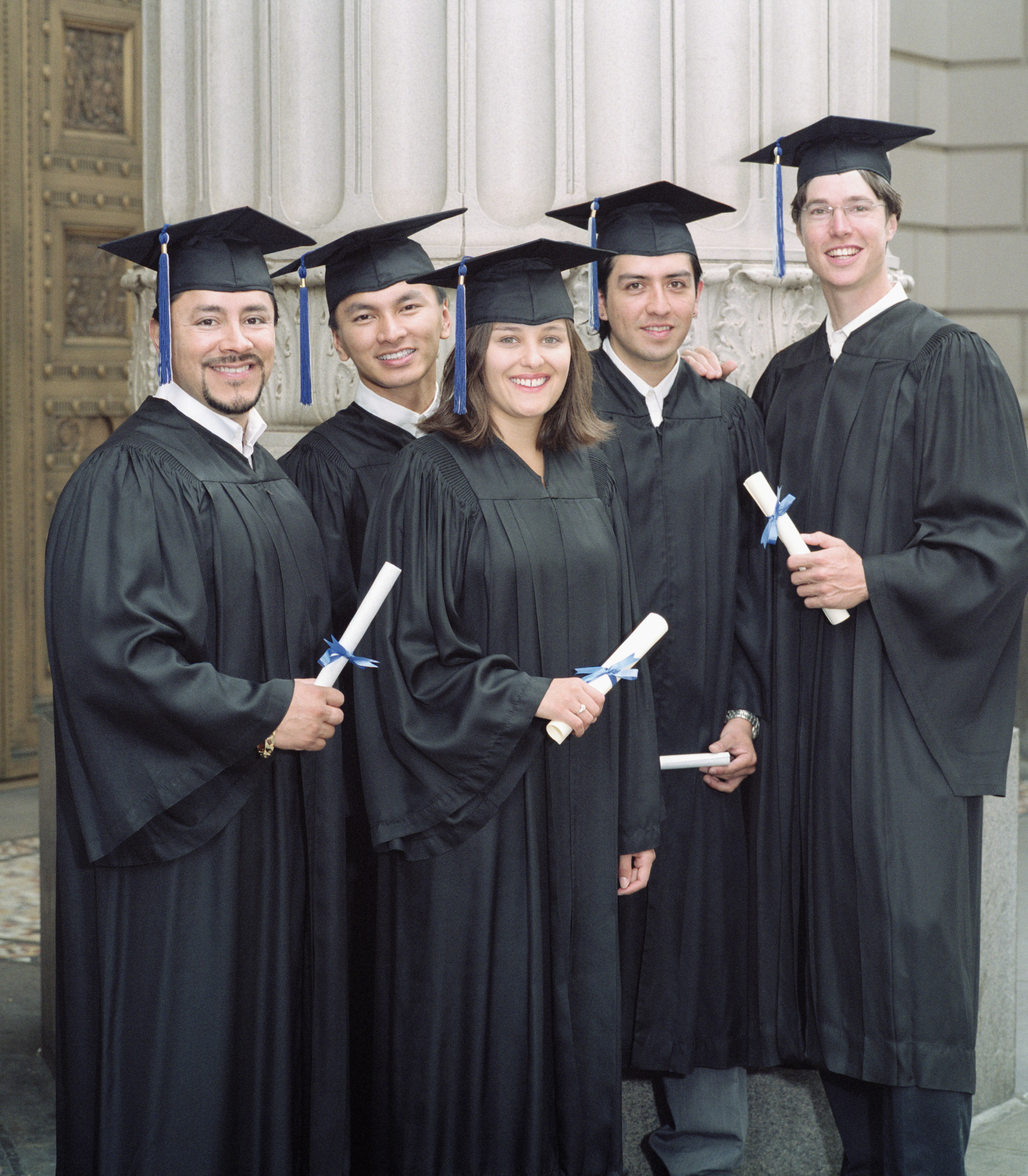 what to wear under a cap & gown   leaftv