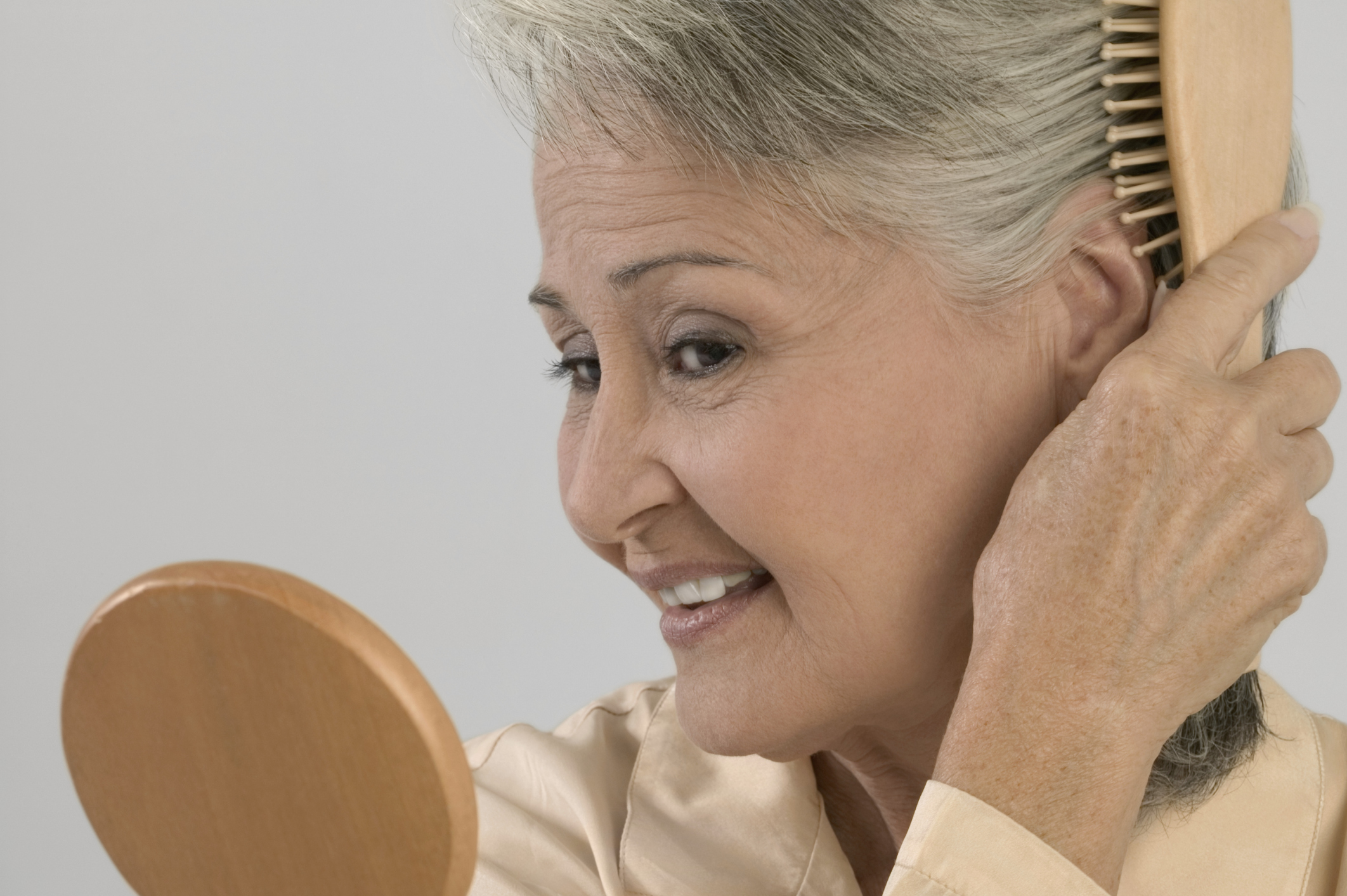 hairstyles for an aging face | leaftv