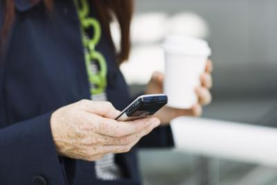 What Do You Do When Your Smartphone Freezes? | Chron com