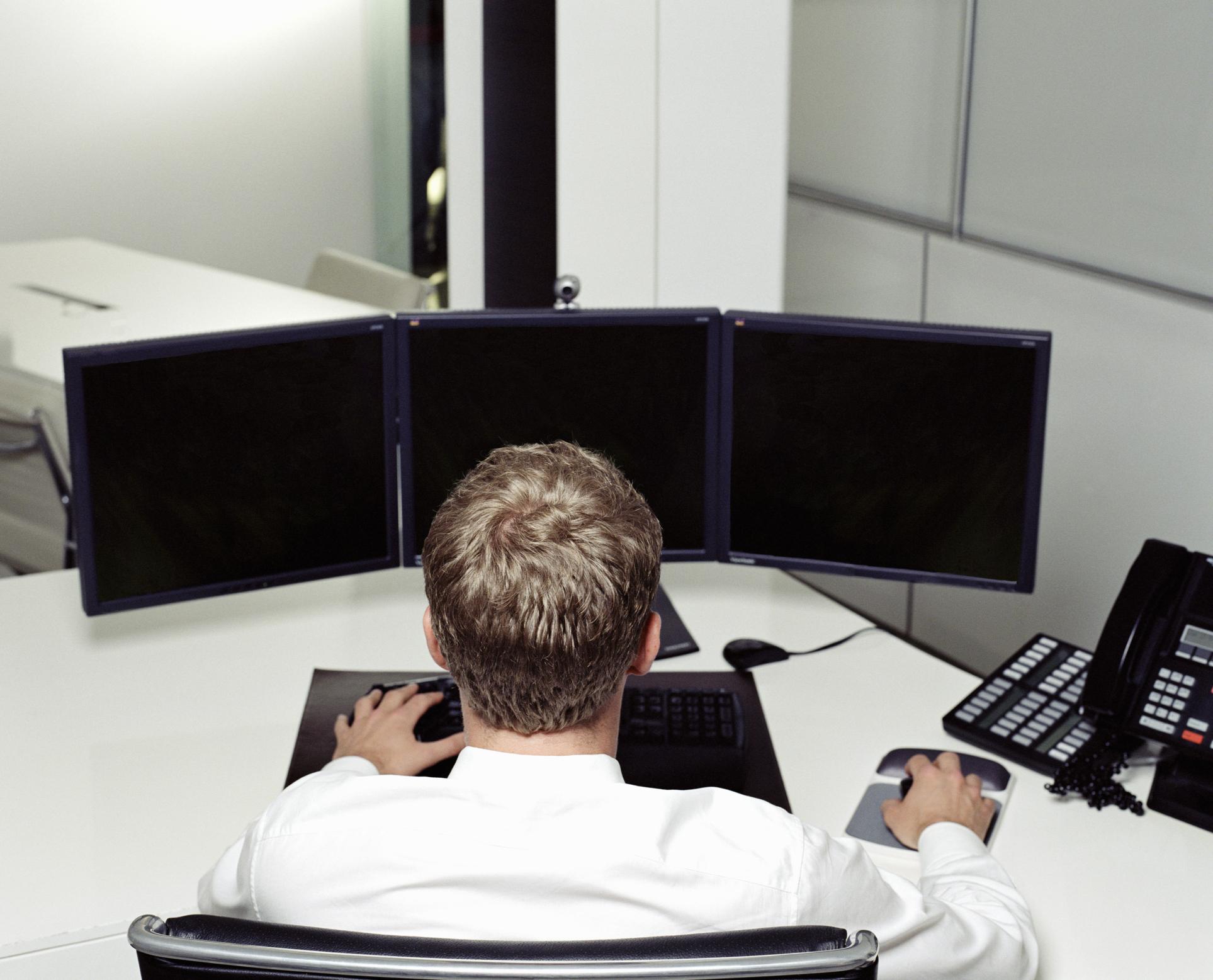 Do You Really Need Two Video Cards for a Dual Monitor Setup? | Chron com