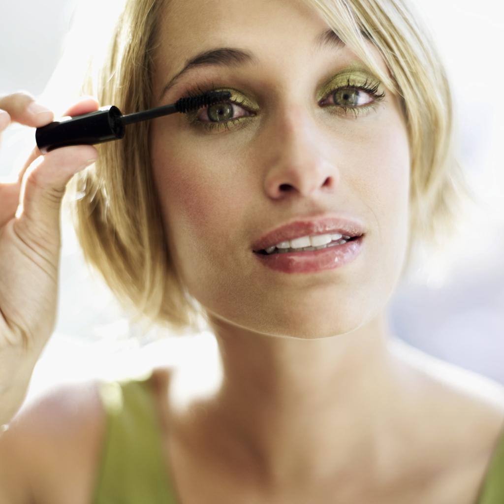 How To Make Your Eyelashes Longer Without Mascara Our Everyday Life